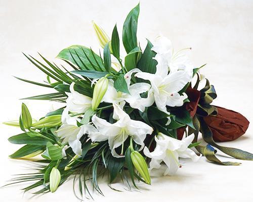 人気 おすすめ お祝いの花束 低価格化 カサブランカの花束