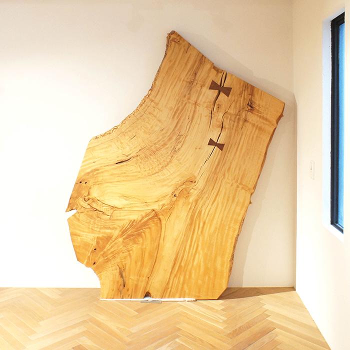 一枚板 トチ 無垢板 木材 チギリによる補修あり 180×110cm 厚み6.5cm 天然木 無垢 トチの木 栃