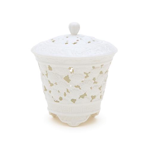 【送料無料】【香炉】【日本香堂】白磁 透し彫菊花文 扇型【陶器製】kouzarakoutate