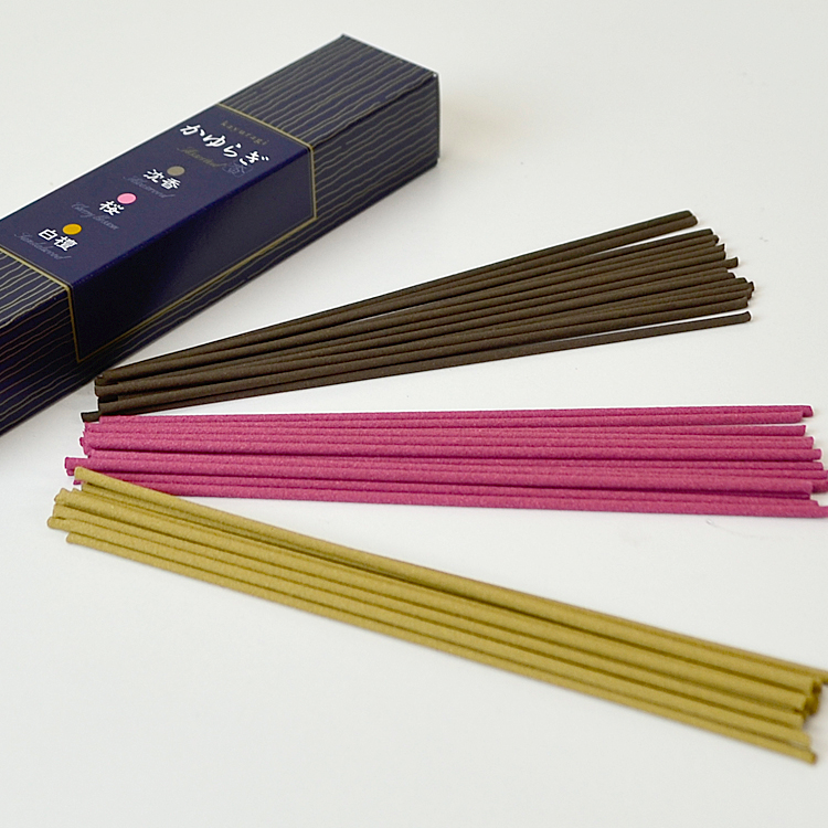 Sort かゆらぎ stick three kinds a [aloes wood, cherry tree, sandalwood]