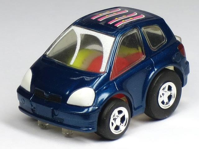 Chola Q Toyota Vitz dark blue winter specifications