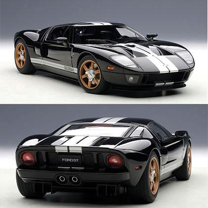 オートアート 1/18 フォード GT ブラック (シルバーストライプ)