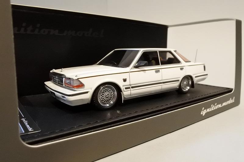 ignition model 1/43 日産 グロリア (Y30) Brougham VIP 後期型 ホワイト (BBS RS 16インチホイール)