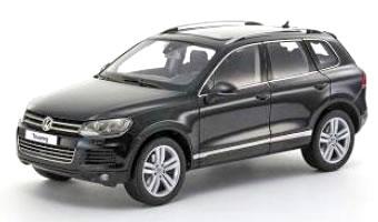 京商 1/18 Volkswagen Touareg 2010 TSI ディープブラックパール