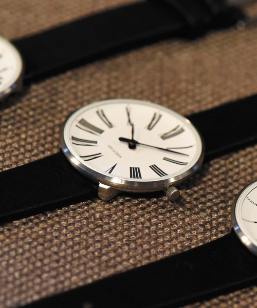 アルネヤコブセン ARNE JACOBSEN 時計 ローマンウォッチ 34mm 腕時計 レディース Roman Watch Leather 34mm ユニセックス おしゃれ かわいい ローマンウォッチ 34mm 腕時計 レディース Roman Watch Leather 34mm ユニセックス 北欧デザイン デザイナーズ インテ 【】