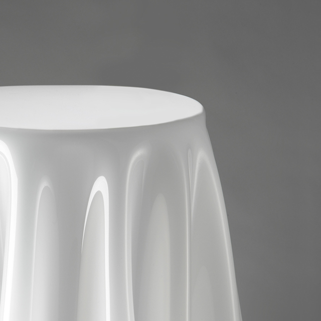 ☆Until Point Double U0026☆ 13th Monday 14:59! Essey Grand Illusion Side Table  (L) White