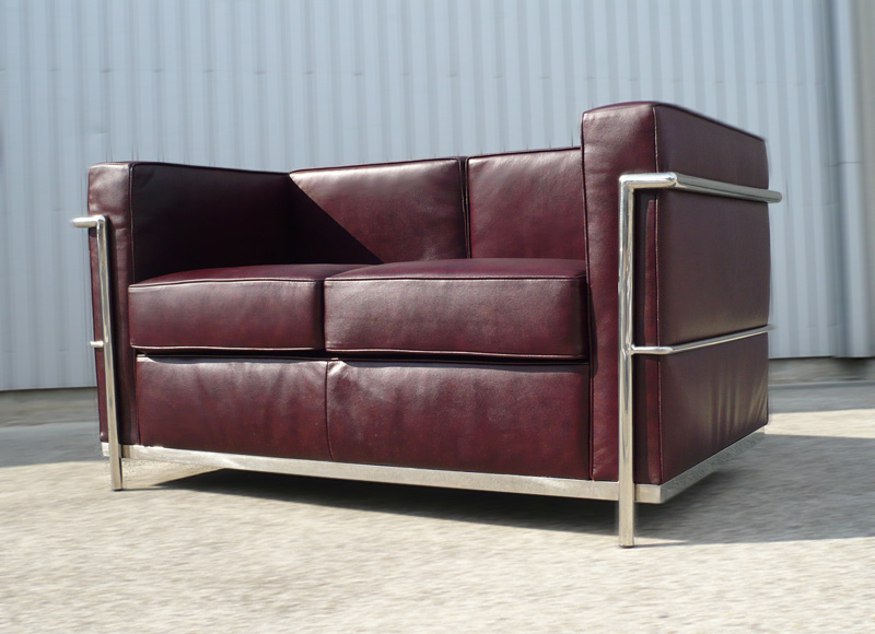 ANT DESIGN STORE: ☆It is two Le-Corbusier LC2 Grand comfort 2P ...