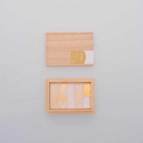クリア素材に金箔が映え 食卓や小物に華を添える箔シリーズ 価格 交渉 送料無料 アクリルの素材感を活かしながらも 和の要素を大切にデザインしました 箸置きを添える 変える toumei だけで 木箱入り5個セットは 箔hashioki 食卓は華やぎます 大規模セール