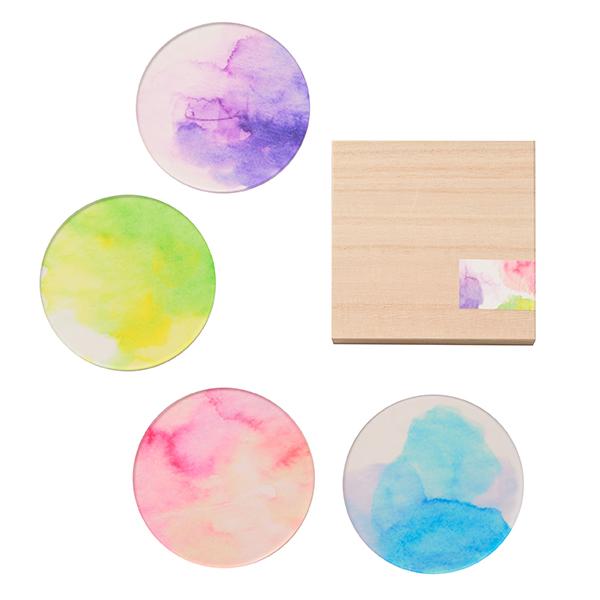 水彩で描かれた淡い色のコースター 水彩特有の霞みやぼやけ 付与 色の重なりなど偶然できる色をコースターにとじ込めました toumei あわいろ ギフト coaster 木箱入り4枚セット
