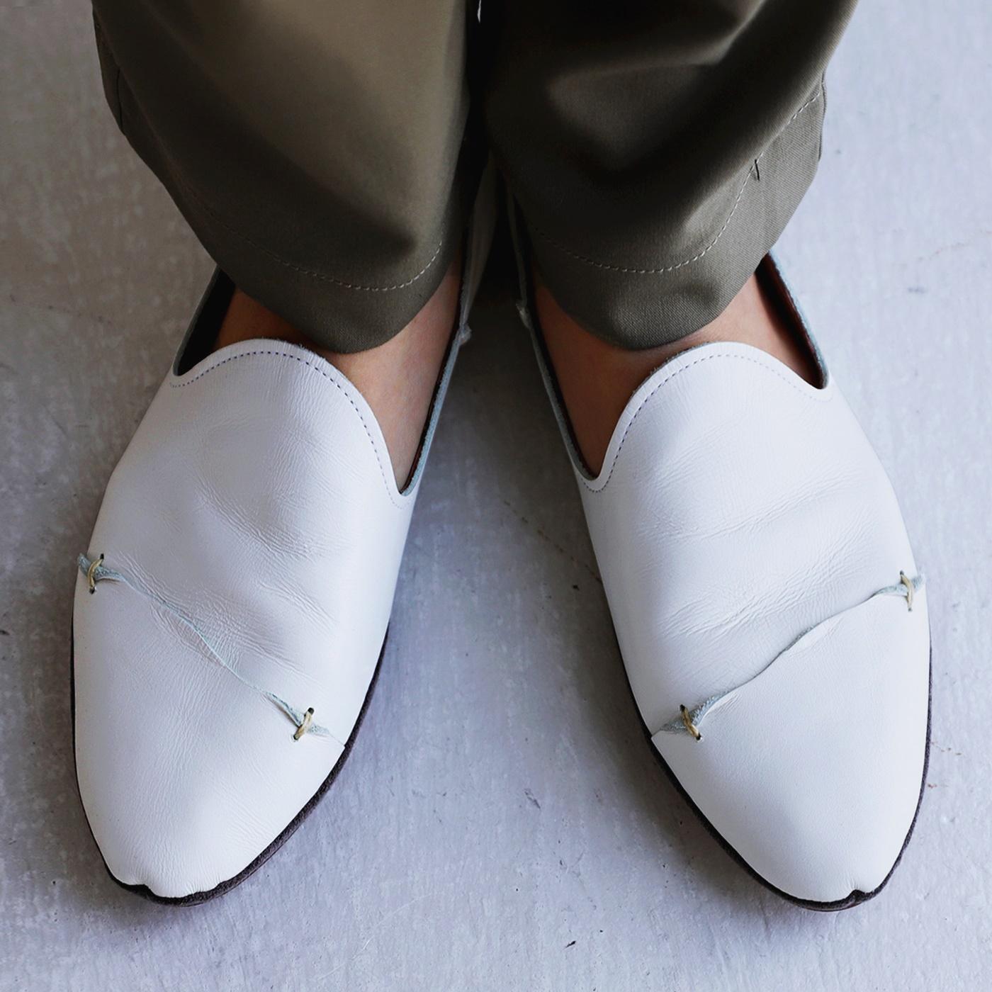 靴 至上 スリッポン レディース 本革 レザー 日本製 軽量 ローヒール 日本正規品 ぺたんこ 歩きやすい 白 今までとは全く違う工程で ホワイト レザースリッポン クッション 低反発 再再販 REV ブラック 黒 だから出せた風合と履き心地 メール便不可