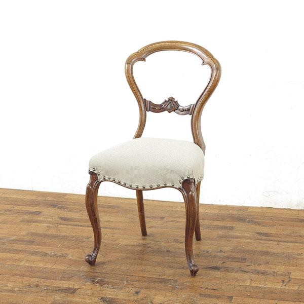 張替済バルーンバックチェア 背もたれの彫刻も可愛らしい イギリスアンティーク家具 食卓チェア アンティークフレックス 55028