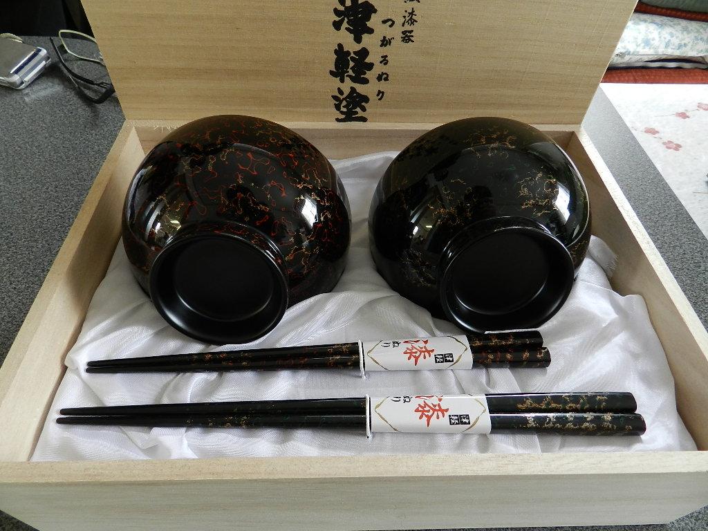 津軽塗 夫婦汁腕 梨地黒 12.0×7.0 箸付
