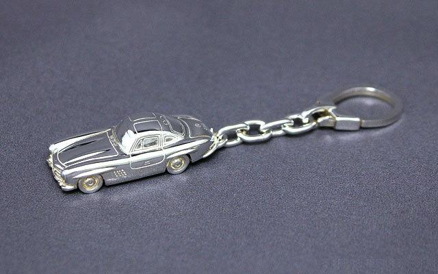 SilverCar(シルバーカー)キーホルダー・メルセデスベンツ300SL 銀細工 ミニチュアカー スターリングシルバー 1/100スケール】 送料無料