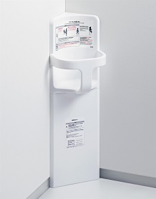 TOTOYKA16Rベビーチェアコーナー設置タイプサイズ:300×315×950樹脂製使用上限重量:30キロまでカラー:ホワイト壁固定タッピンねじ(4本付属)φ5×40付属