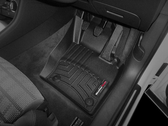 【WeatherTech/ウェザーテック正規輸入元】Audi(アウディ) Q3(8U) 右ハンドル車 フロアマット/フロアライナー(フロント)(ブラック)
