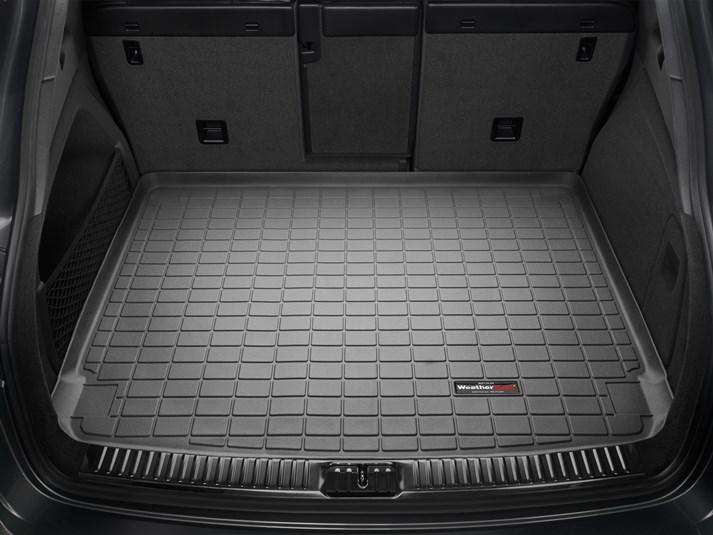 ポルシェ カイエン(958型)(2010~2016年)(※スタンダードBOSEオーディオシステム)カーゴライナー/ラゲッジマット(ブラック)