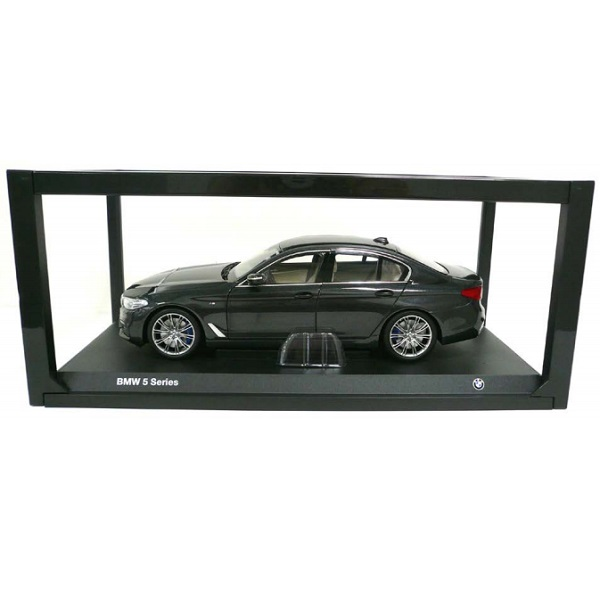 BMW ミニチュアカー 5シリーズ セダン G30(サイズ:1/18)(メタリック ソフィスト グレー ブリリアント エフェクト)