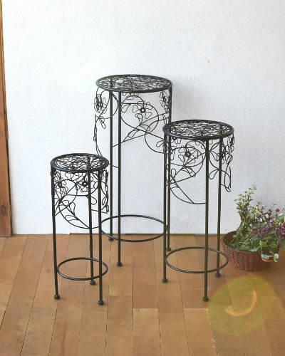 フラワーモチーフがエレガントなアイアン製花台(3個セット/ブラック) サイドテーブル ラウンド お洒落 インテリア 便利 縦長 玄関 リビング 飾り台