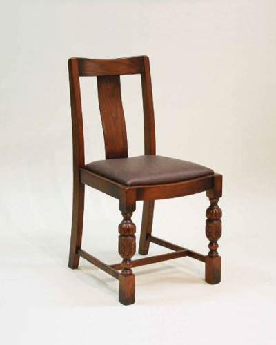 重厚で気品が漂うアンティーク調ダイニングチェア 椅子 合成皮革 ブラウン オーク材 英国スタイル お洒落 クラシック家具 インテリア デザイン 木製 輸入家具