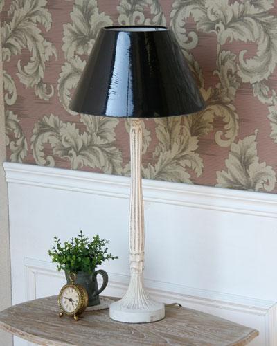 フレンチスタイルのアンティーク調1灯のテーブルランプ。輸入 お洒落 ホワイト シャビーシック クラシック リビング 寝室