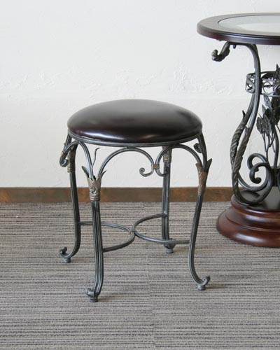 アンティーク風の丸型アンアンスツール 玄関 便利 補助椅子 ドレッサー用 ヨーロピアン 輸入家具 おしゃれ クラシカル リビング 海外