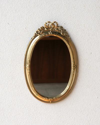 真鍮ゴールドが高級感のある楕円形の壁掛けミラー(イタリア) ウォール 鏡 ヨーロピアン 高級 エレガント クラシカル お洒落 インテリア デザイン リボン レリーフ