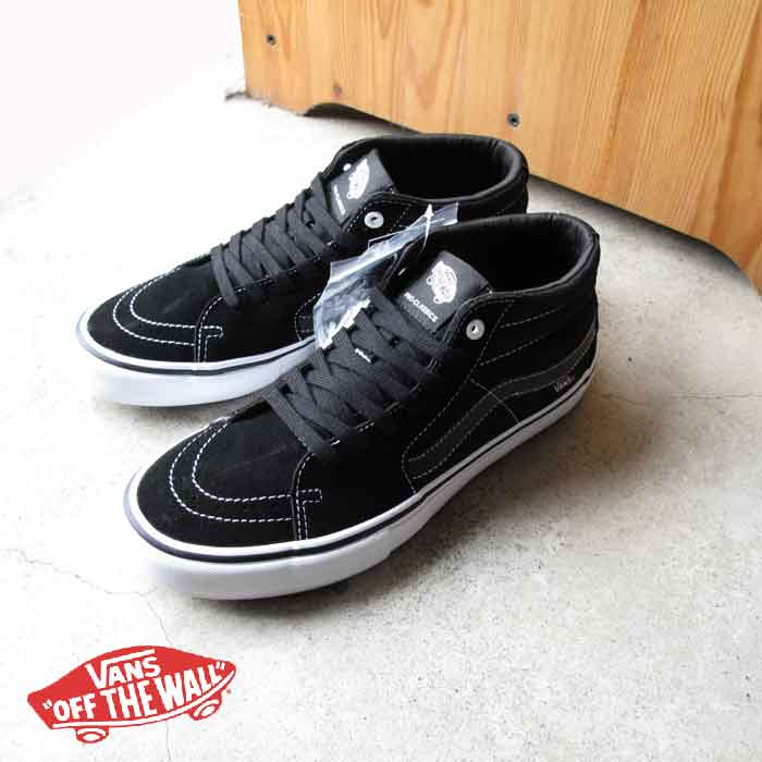 14a3b63c812d vans correspondence skating high black and white station wagons skating mid  pro black shoes sneakers vans
