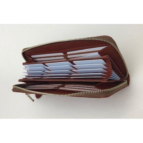300ff8a41c20 製品特徴カルクル独自の空洞構造が生み出すポップアップ財布の優れた機能は、見やすく整理しやすいだけでなく、カード同士の磁器面が接触しないので磁気不良になり  ...