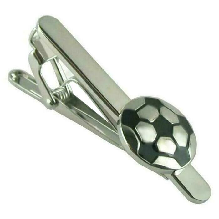サッカーボールをモチーフにしたシルバー ブラックのネクタイピン 今季も再入荷 ネクタイピン ユニーク サッカー シルバー ブラック ボール スポーツ マーケット 送料無料