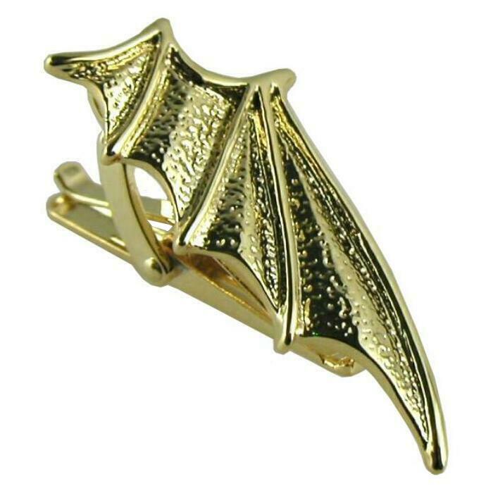 コウモリの翼をモチーフにしたゴールドのネクタイピン Seasonal Wrap入荷 ネクタイピン 海外並行輸入正規品 ユニーク コウモリ こうもり 蝙蝠 B 動物 コウモリの翼 送料無料 ゴールド