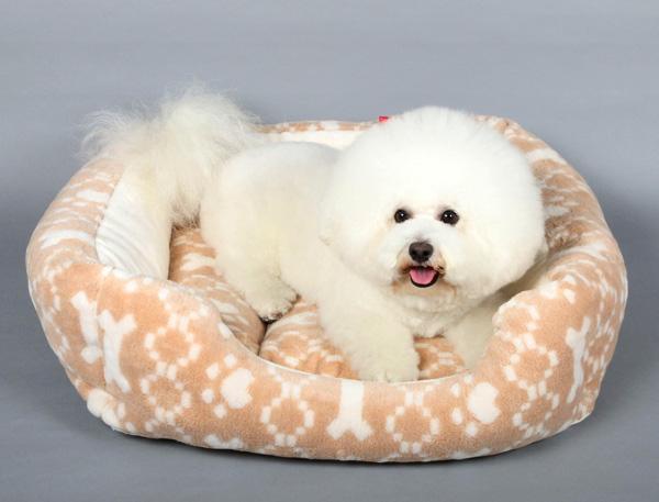 【フレンチブル、パグ、ビーグル、コーギー、柴犬OK】肉球+ボーン柄ジャガードスクエア型L【犬のベッド】【猫のベッド】オーガニックコットン
