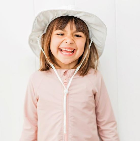 db7dba1258a50 Prevention of swimming zip SwimZip baby kids hat UV cut sun hat broad-brimmed  ultraviolet rays prevention suffocation