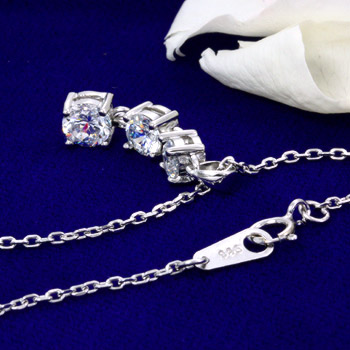 To you necklace ladies long continues to shine you want. Zirconia スリーシャイン pendant appeared! ToS