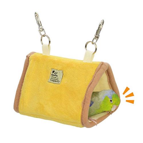 小鳥用の布製ベッドです 鳥かごにぶら下げてすっぽり入ってリラックス B82 超人気 期間限定特別価格 専門店 サンコー 小鳥の三角ベッドS