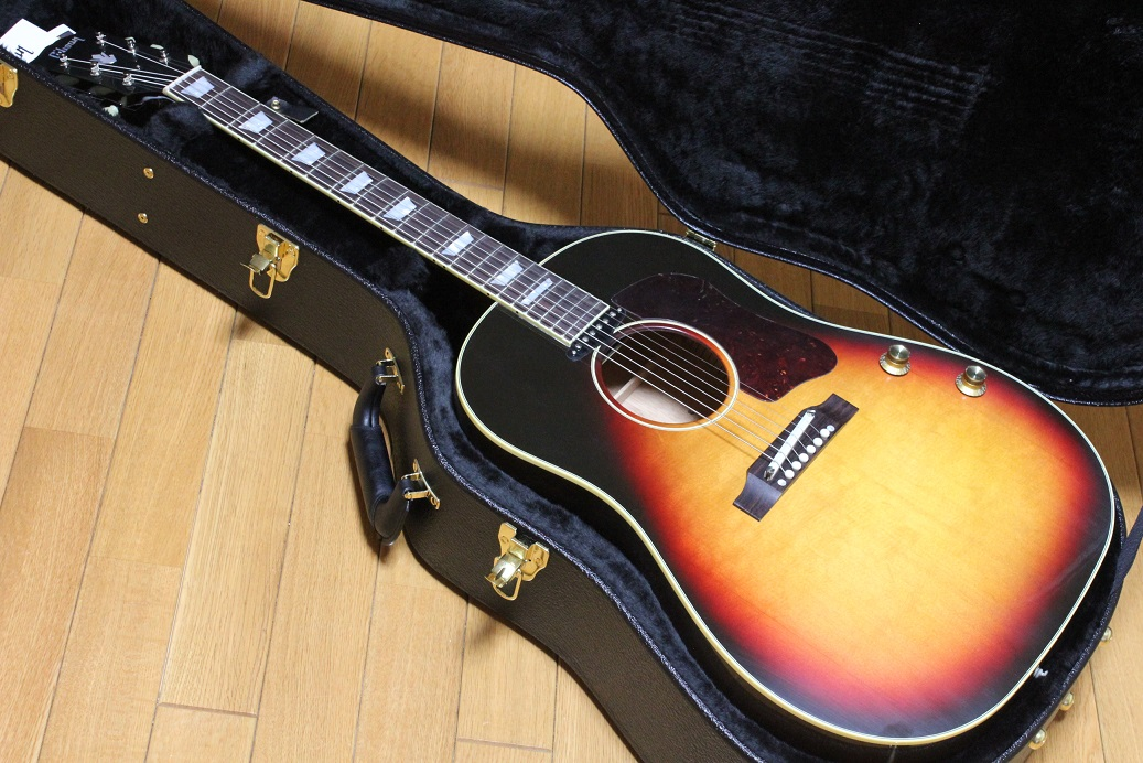 Gibson Montana Monthly Limited Edition1962 J-160E VOS Tri-Burst