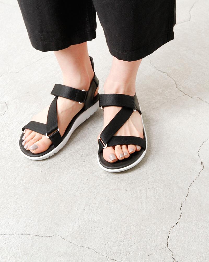 1bb3c696b aranciato  DrMartens (doctor Martin) Z strap sandals