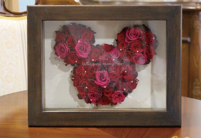 ミッキープリザーブドフラワーボックス 彫刻込み プロポーズ バラ プリザーブドフラワー プロポーズプレゼント ミッキー ミニー ディズニー 薔薇 花束 誕生日 結婚 記念日 名前入り 名入れ