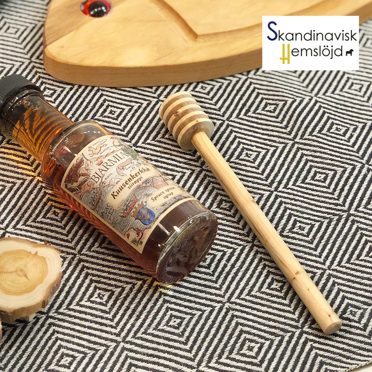 SkandinaviskH スカンジナヴィスク はちみつスプーン 木製 おしゃれな北欧食器 職人の手作り スウェーデン 天然木 インテリアにも キッチン雑貨 プレゼント シンプルで美しいデザイン 北欧カトラリー プレゼントやギフトに人気 記念日 カフェ雑貨 商い