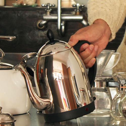 【Russell Hobbs カフェケトル 1.0L 7410JP】キッチン家電 電気ケトル ラッセルホブス シルバー ギフト■ 送料無料■ ラッピング無料