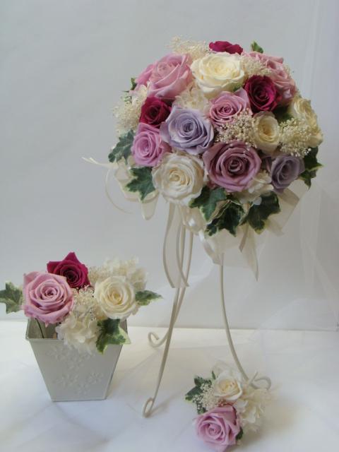 やや咲きローズがいっぱいのラウンドブーケ&ヘアードのセット★ブトニア付 ブライダルブーケ ウェディングブーケ プリザーブドフラワー ブーケ 結婚式 ラウンドブーケ 枯れないブーケ