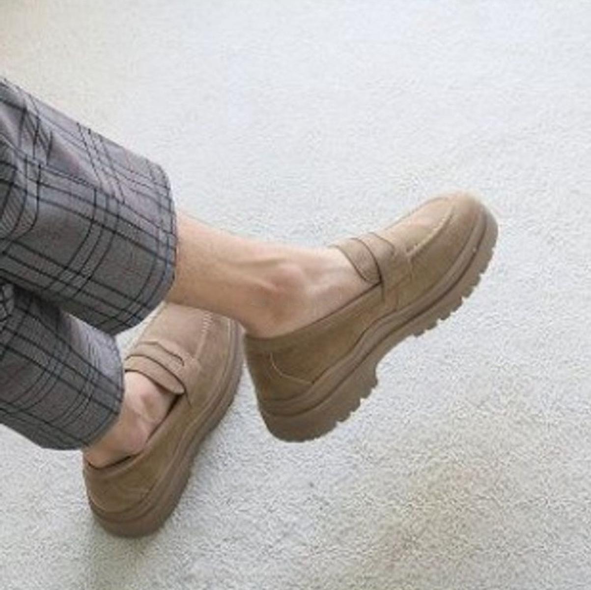 ソールが少し厚底になっていて 脚長効果抜群です 1着でも送料無料 メンズ ローファー 脚長ソール 04-0569 スリッポン 人気ブレゼント