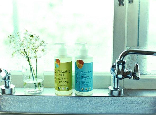 香りが苦手でも安心 無香料のオーガニック食器洗剤で毎日の家事を楽しく ナチュラルウォッシュアップリキッドセンシティブ ランキングTOP5 食器用洗剤 出色 1000ml