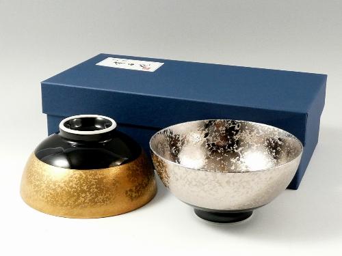 有田焼 弥源次窯 金濃黒釉掛分・プラチナ濃黒釉掛分 組茶碗 (夫婦茶碗) <オリジナル>