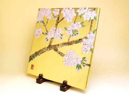 飾り皿 陶器 木箱入り 贈答用 有田焼 波佐見焼 金襴手(金箔)桜 陶板(特製皿立付)