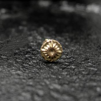 アリゾナフリーダム シルバーアクセサリー ピアス 【NO.5】 ゴールド 小 台付太陽神 ピアス 素材: K18 【Pierce】