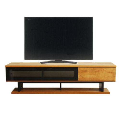 【送料無料★多機能テレビボードです★】TV周りをスッキリ快適にしてくれるAV機器等の配線コードも裏側に。