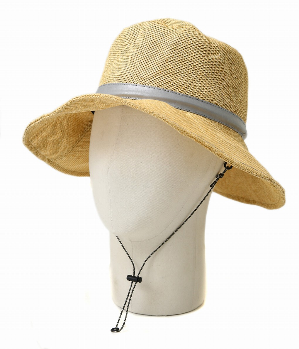 9d57305feac The hat using the paper cross superior in breathability. As the paper cross  is light and is rounded
