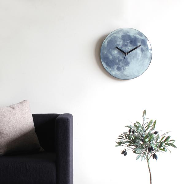 掛け時計 壁掛け時計 見やすい 壁掛け 時計 北欧 インテリア 雑貨 壁時計 壁掛けとけい 掛時計 ウォールクロック moon light clock ムーンライトクロック 満月 デザインクロック デザイン時計 アナログ時計 ユニーク インテリア カジュアル KIKKERLAND キッカーランド 壁面