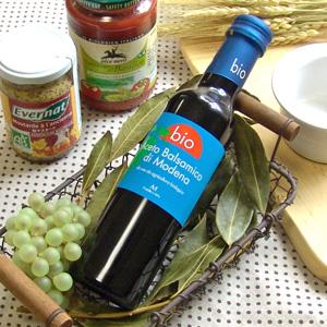 開店記念セール 有機栽培ぶどうを木樽でゆっくり熟成させました オーサワ オーサワジャパン メンガツォーリ モデナ産 お取り寄せ商品 開催中 オーガニックバルサミコ酢 赤 250ml