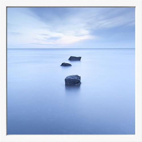【絵画 アートパネル 壁掛け 専門店】アートフレーム/アートポスター ダグ・チナリー Three Rocks(アートパネル アートフレーム アートポスター 北欧 絵画 インテリア ポスター 壁掛け)【0824カード分割】